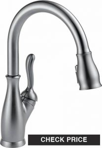 Delta Leland Single-Handle - best kitchen faucet 2020